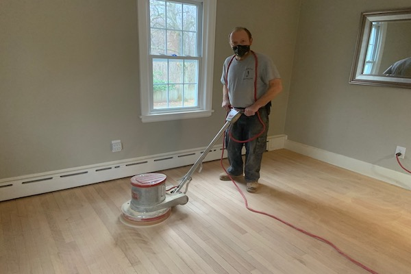 Buff machine for buffing hardwood floors